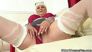 An experienced woman means fun part 455