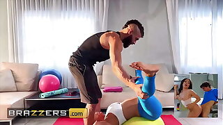 (Alexis Fawx) Spreads Her Paws For (Xander Corvus) And Instructs Him To Feed Her His Dick - Brazzers